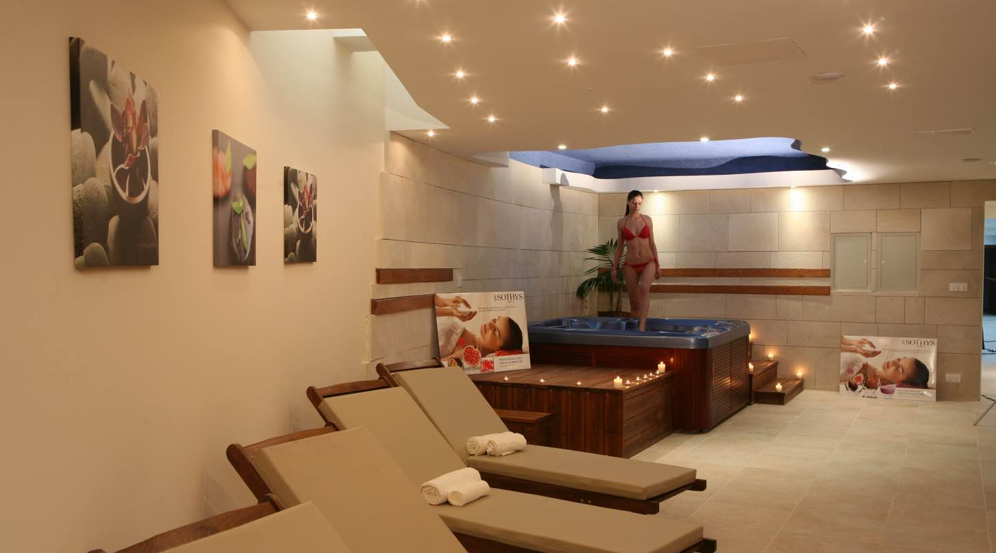 Jacuzzi Room in Paphos Aphrodite Sands Resort